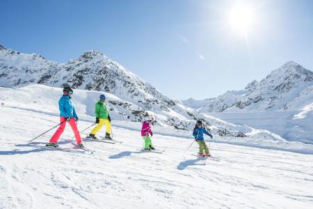 Stubaiský ledovec: SKI plus CITY pass pro 13 lyžařských oblastí