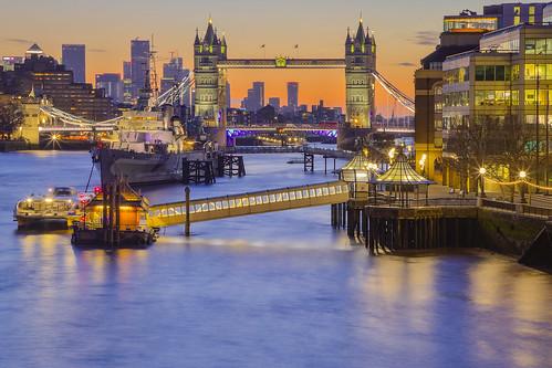 towerbridge hmsbelfast thames london canarywharf andreapucci uk sunrise