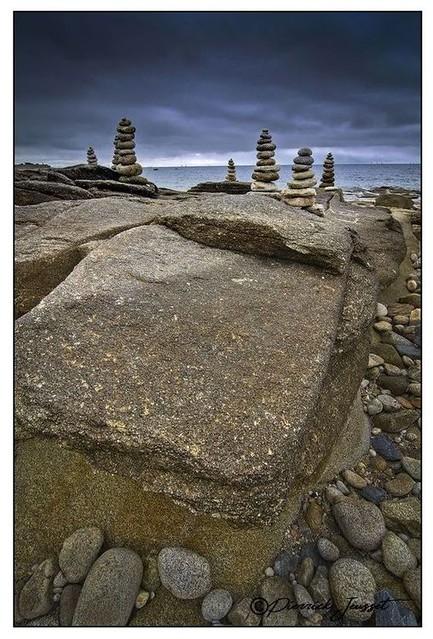 Cairns et rochers