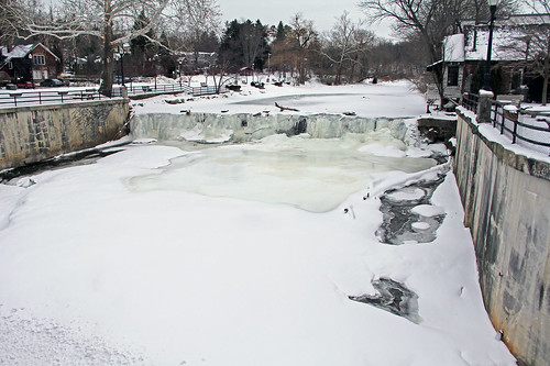 chagrinfallsohio chagrinriver winter winterphotography snow snowandice waterways waterfall ohio