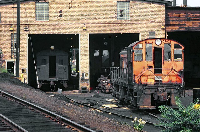 New Haven Railroad ALCO S-1 switcher # 0962 is seen in the MUT service and maintenance area in the lower yard at Stamford, Connecticut, 1968