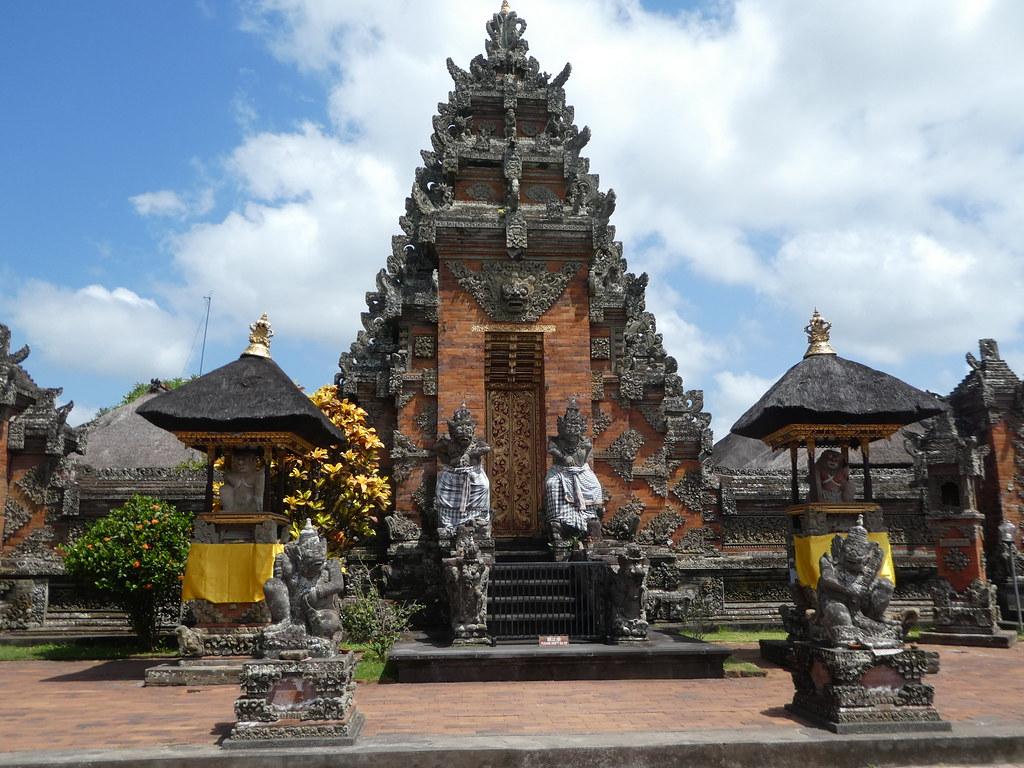 Batuan Hindu Temple, Ubud, Bali