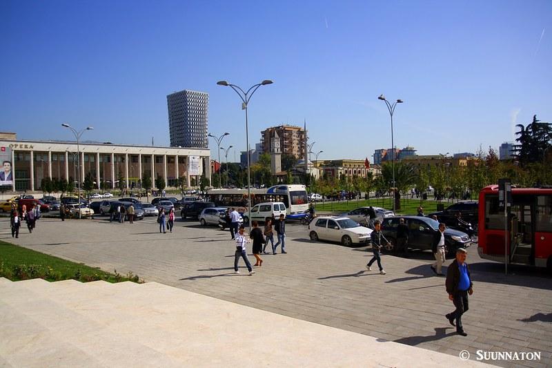 Tirana, Albania, aukio