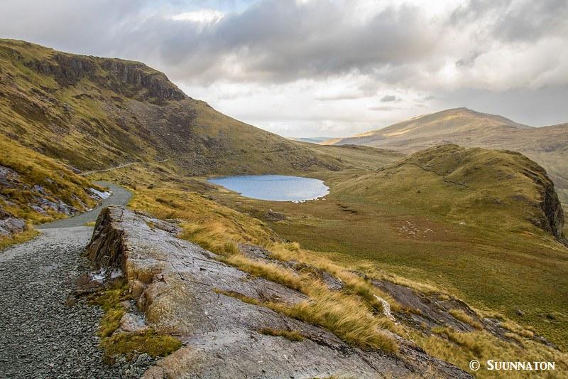 Snowdonian kansallispuisto, Snowdon, Miners Track, sininen jarvi
