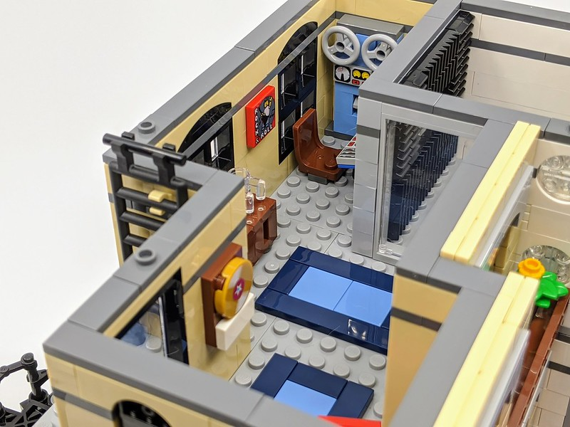 LEGO Modular Downtown Diner