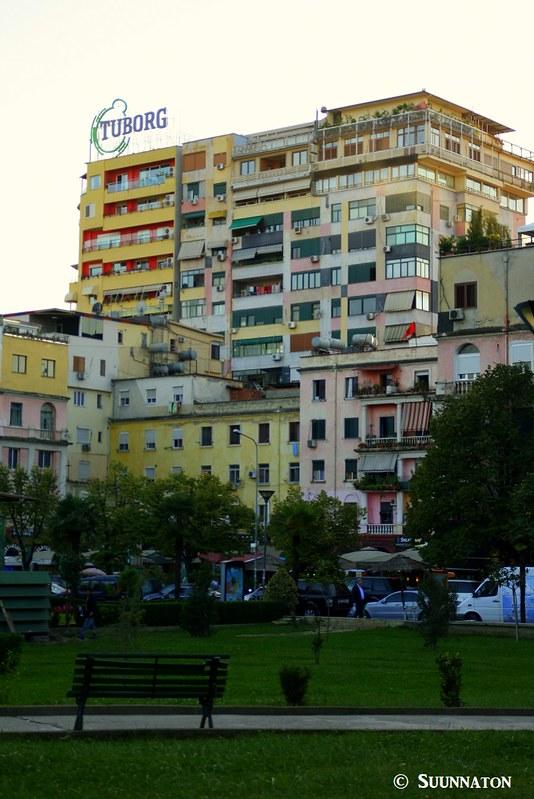 Tirana, Albania, rakennukset