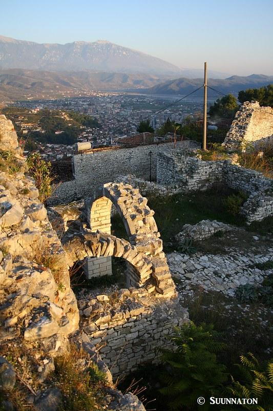 Beratin historiallinen ja monipuolinen kaupunki Albaniassa