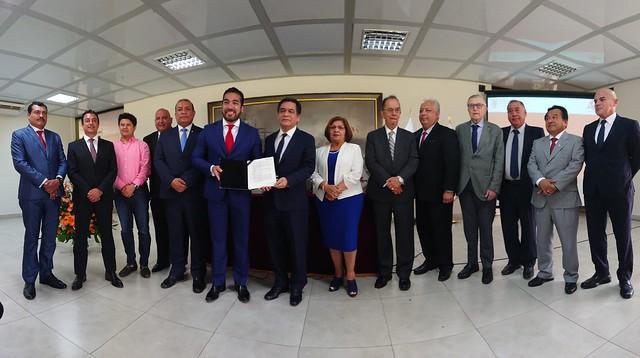 Universidad de San Martín de Porres y Asociación de Municipalidades del Perú firmaron Convenio Marco y Específico de Cooperación Mutua