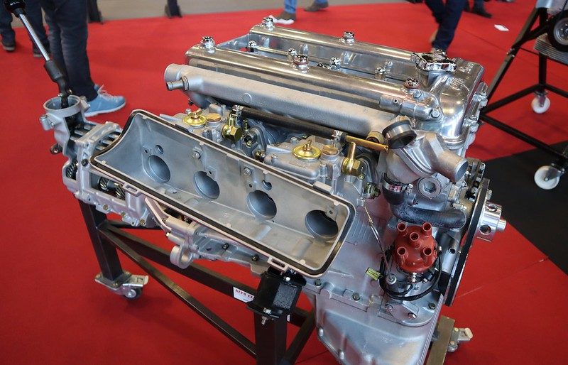 alfaclassicmotors.com - Retromobile Paris 2020 49562703082_6d2e3ddb83_c