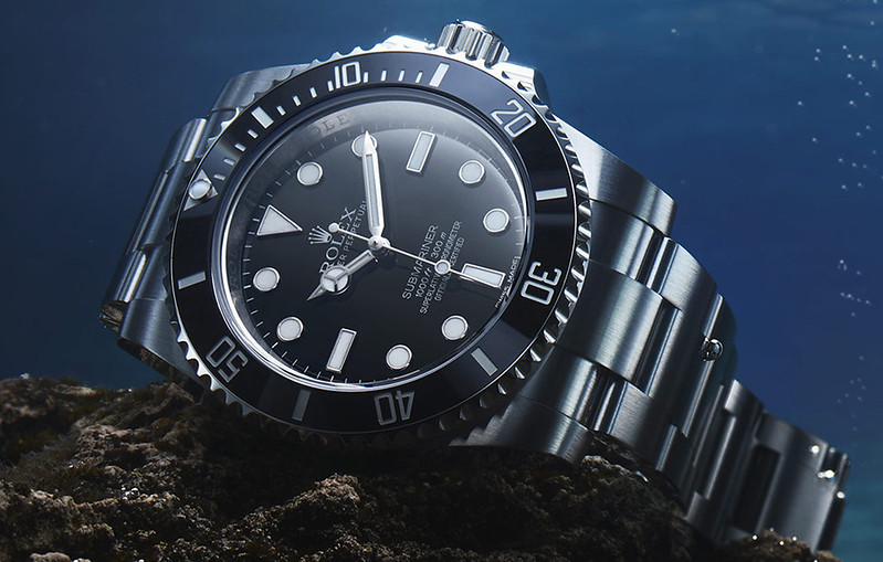 professional_watches_submariner_mosaic_0002_2400x1100