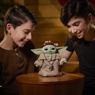 親身體驗尤達寶寶的可愛魔力! Hasbro《曼達洛人》尤達寶寶 The Child 7 吋電子互動人偶 Star Wars The Child Animatronic Edition