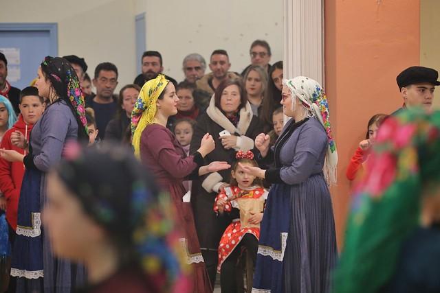 Αποκριάτικα δρώμενα και χοροί την Τσικνοπέμπτη στην Καρυά
