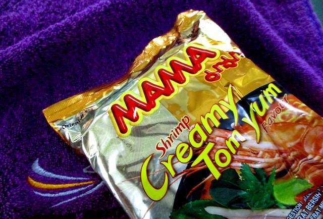 MAMA shrimp creamy tom yam noodles
