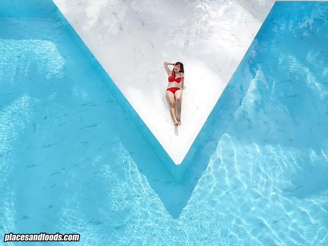 la vela khao lak pool