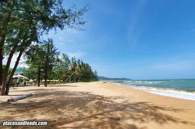 la vela khao lak beach