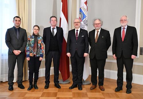 21.02.2020. Valsts prezidents Egils Levits tiekas ar Venēcijas komisijas darba grupas pārstāvjiem, lai pārrunātu jautājumus par izglītības reformu