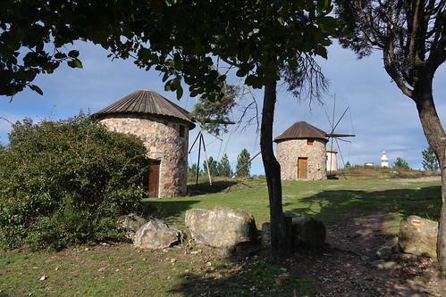 portugal centre luso penacova bâtiments buildings architecture moulins windmills paysages landscapes