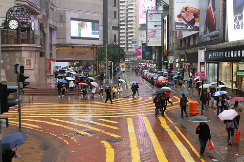 Pedestrian scramble crossing on Russell Street, Causeway Bay