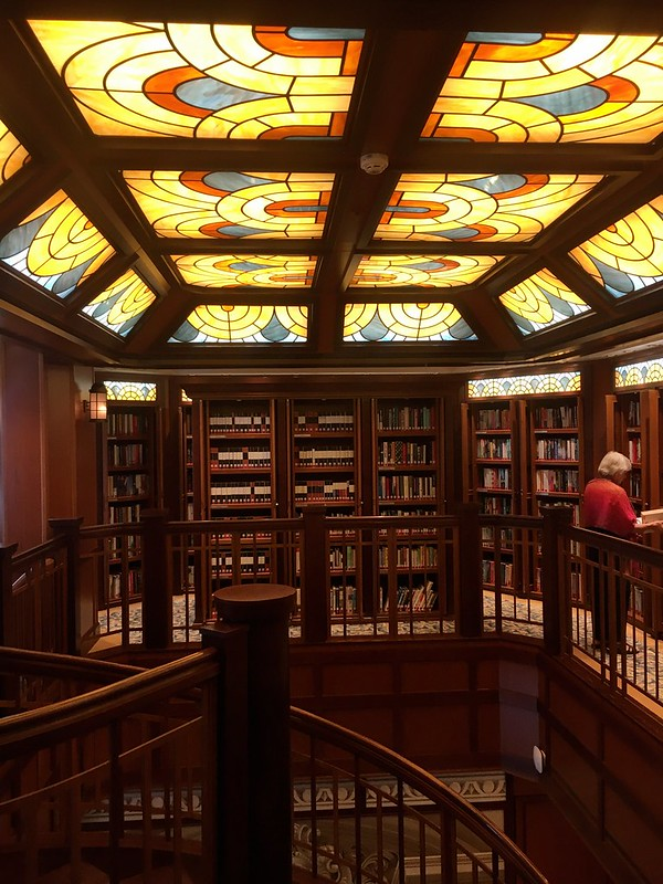 The library on the Queen Elizabeth II.