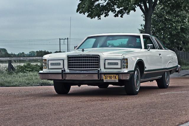 Ford LTD Coupé 1978 (2985)