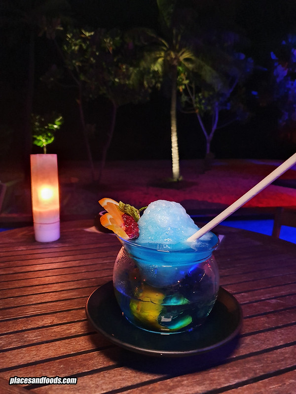 la vela kokulo beach club cocktail