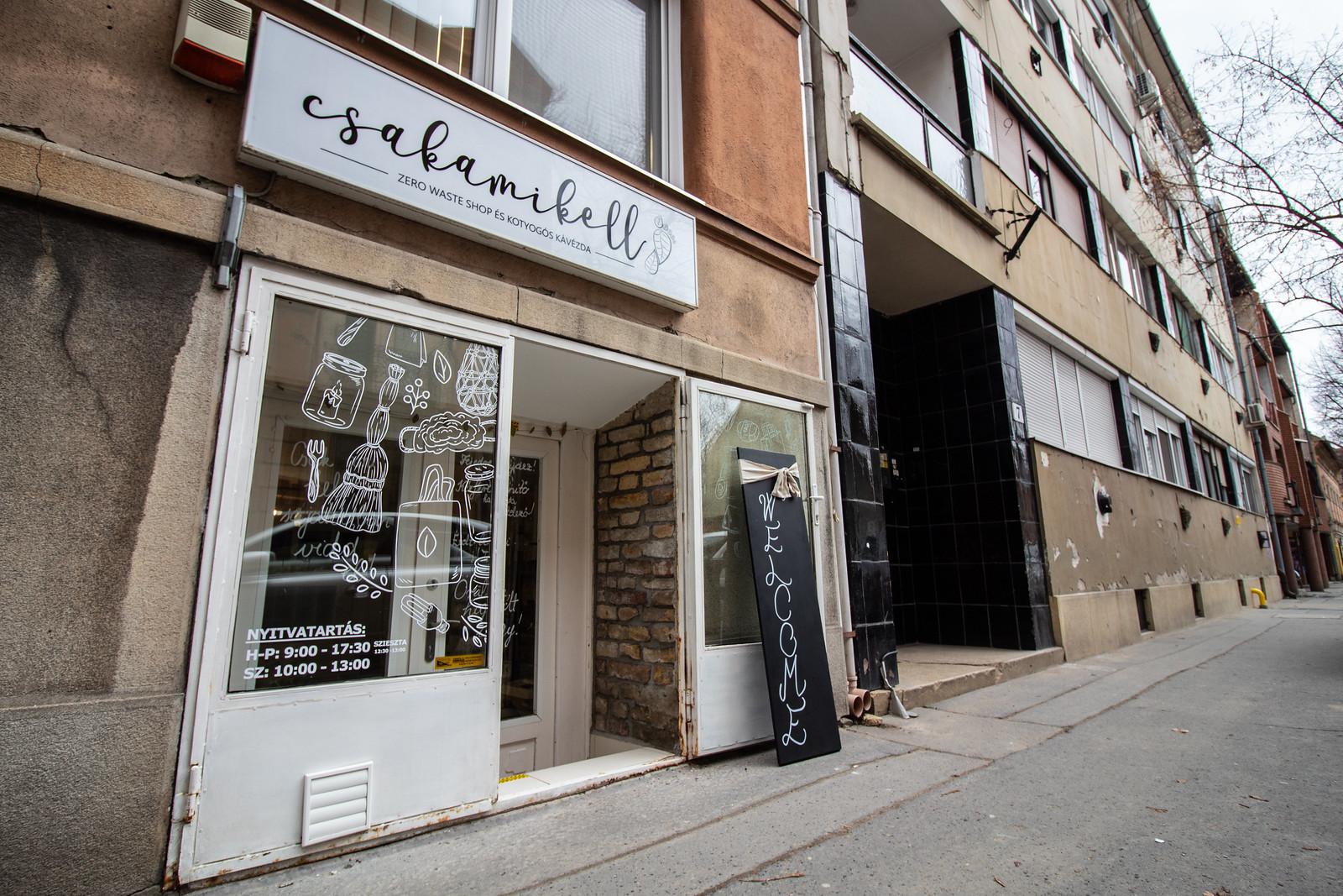 Itt van Szeged második első csomagolásmentes boltja, a Csakamikell