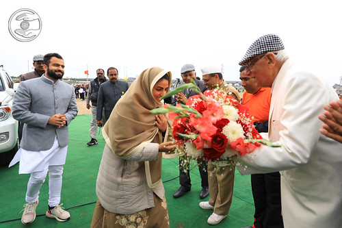 Her Holiness being welcomed by VD Nagpal Ji, Member Incharge Sewadal