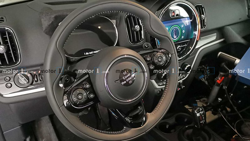 2021-mini-countryman-facelift-spy-photo (4)