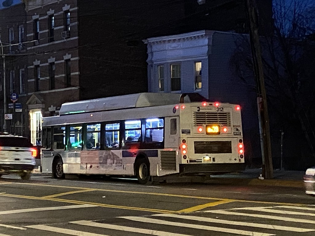 2012 New Flyer C40LF 312 - Bx39 To Wakefield-241 St