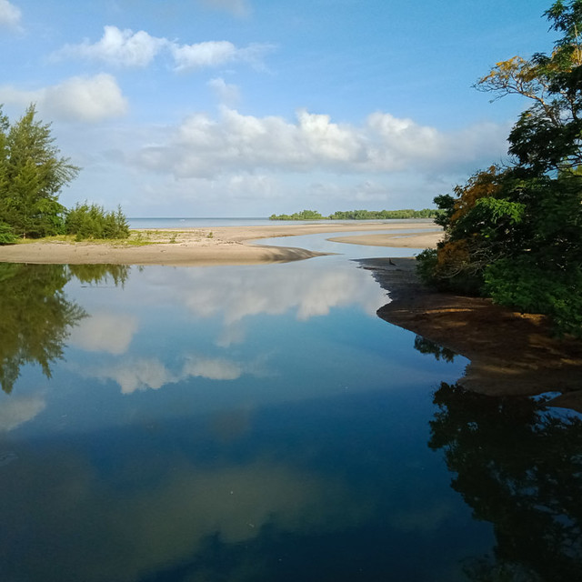 River near Kampung Nusa Nusa