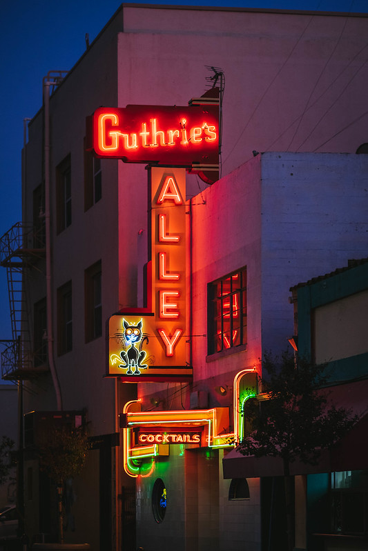 Guthrie's Alley Cat Bakersfield California_DSF1271