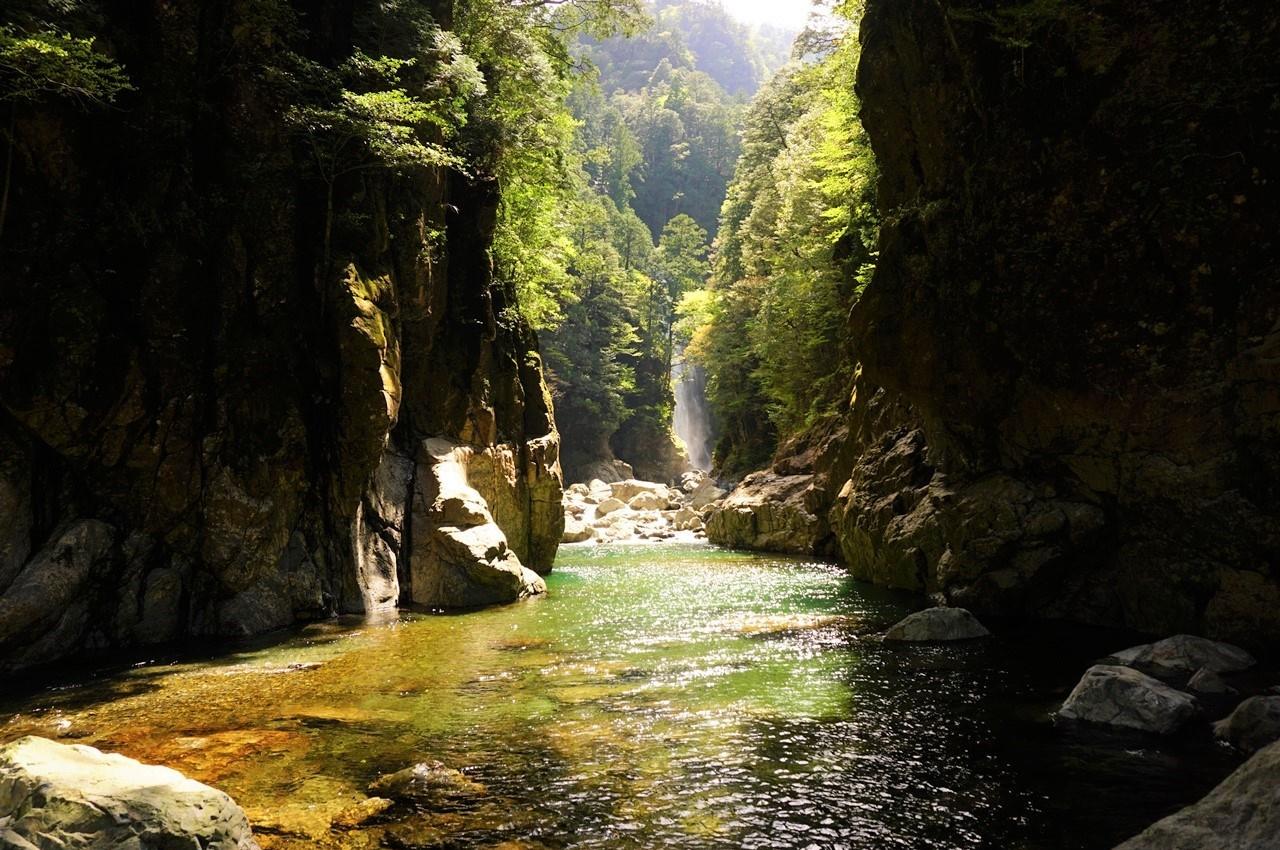 大杉谷 神秘の渓谷風景