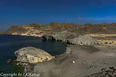 Hiking along Monsul Beach ...., De Senderismo por la Playa de Monsul....
