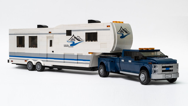 Ford pick up with fifth wheel camper
