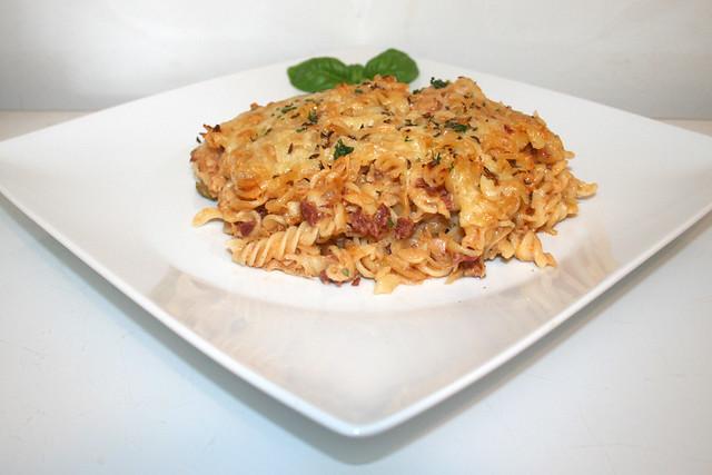 41 - Reuben Pasta Bake - Seitenansicht / Side view