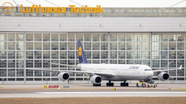 D-AIHX LUFTHANSA AIRBUS A340-642 cn 981