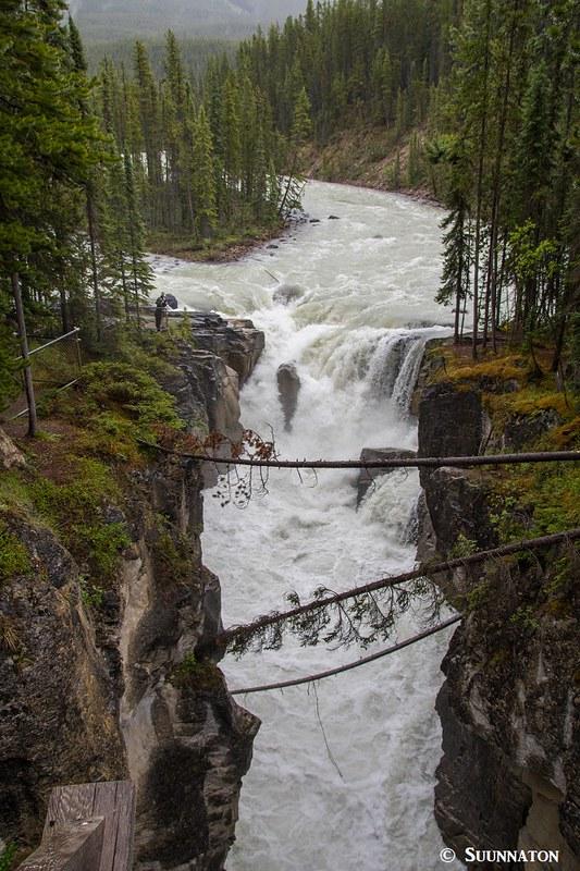 Sunwapta Falls, Jasperin kansallispuisto, Kanadan Kalliovuoret