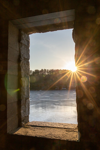 sunset sunburst architecture stone oldstonechurch westboylstonma winter ice canon canon6dmarkii window