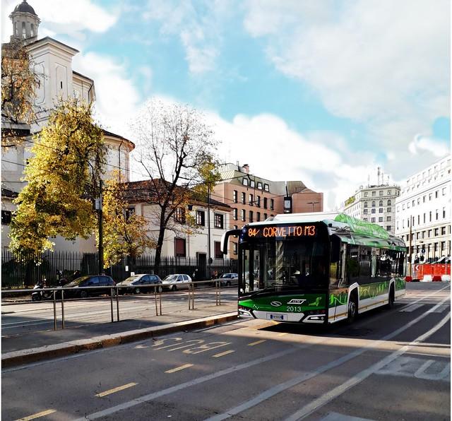 Bus ATM Milano Solaris Urbino Electric 12 mt. matricola 2013 sulla linea 84/ diretto al capolinea di Piazza Corvetto M3