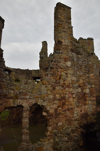 Historic Scotland: Dirleton Castle and Gardens