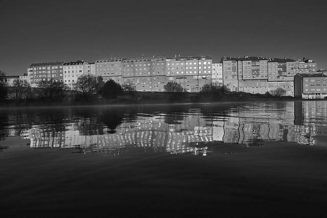 Reflections in water 0271