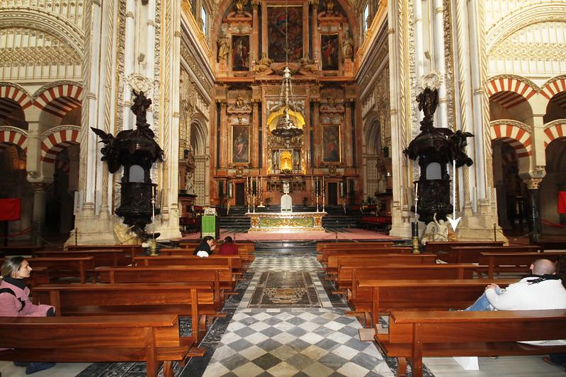 Main_altar_-_Cathedral_of_Córdoba_-_La_Mezquita_-_Córdoba_(2)