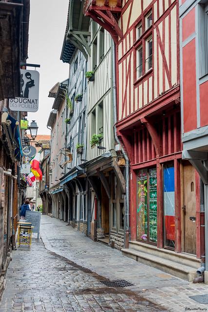Rue de Troyes