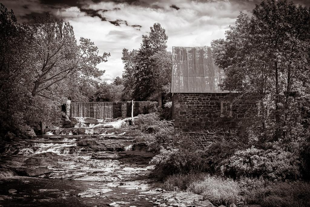 Moulin de la rivière Trois-Saumons 49574513676_01666130f6_b