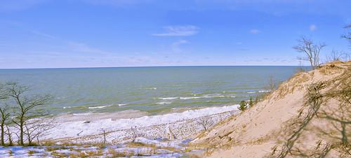 lake lakeshore lakemichigan dunes waves winter horizon panorama