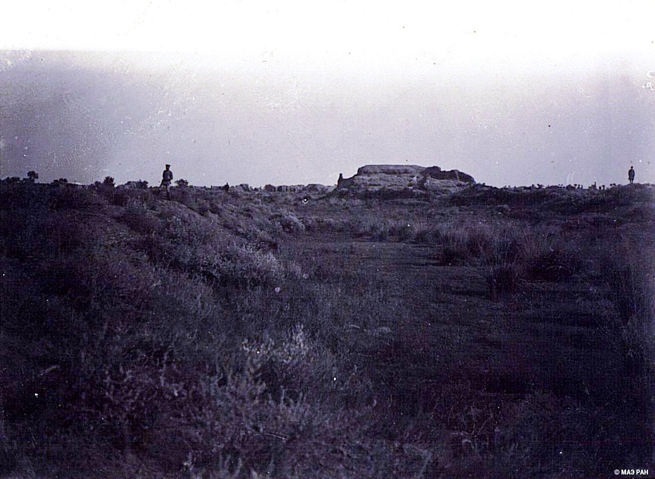 23. Развалины древней столицы Уйгурии Бишбалыка. Остатки улицы