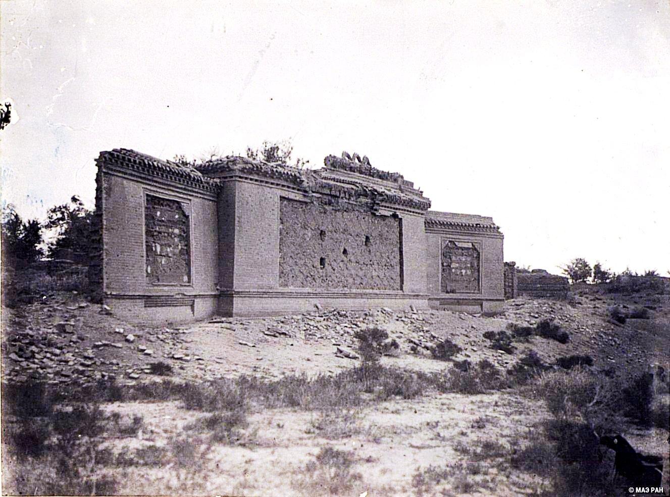 7. Развалины стены-щита перед кумирней в местечке Лаотай