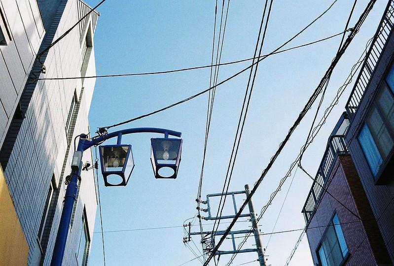 033東京いい道しぶい道西大井のんき通りの街灯