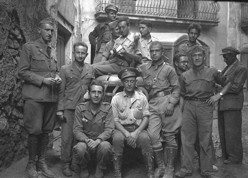 Dąbrowszczacy i żołnierze hiszpańscy