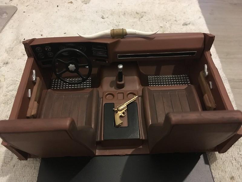 RC4WD trailfinder2 Blazer V8 49577884681_0fe690ff57_c